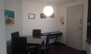Lindo apartamento reformado Rua bem tranquila.